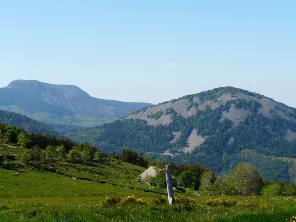 Randonnées sommets des montagnes d'Ardèche 2