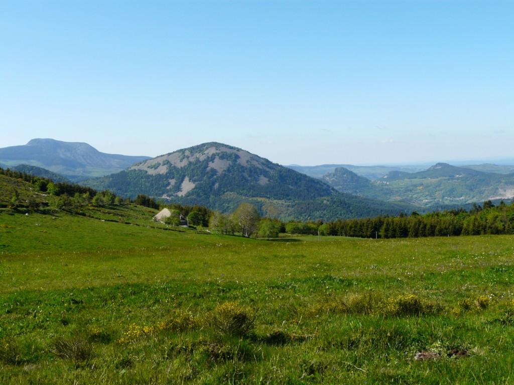 Randonnées sommets des montagnes d'Ardèche