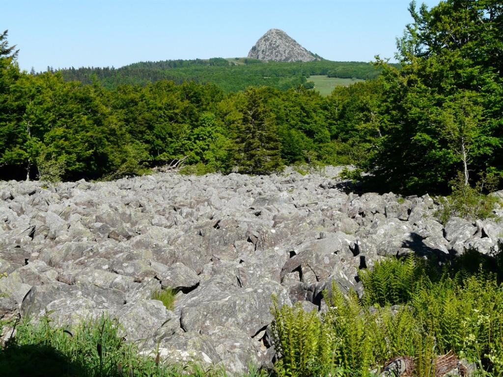 Randonnées sommets des montagnes d'Ardèche 3